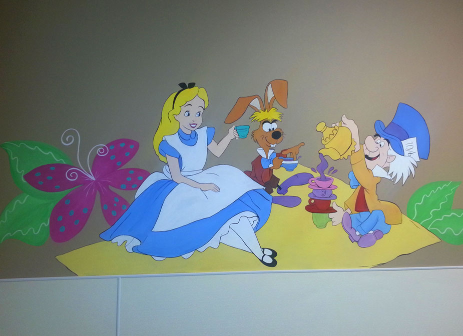 Alice in wonderland disney mural for Alice in wonderland mural