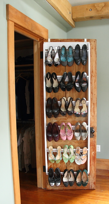 diy crown molding closet shoe organizer for heels blog. Black Bedroom Furniture Sets. Home Design Ideas