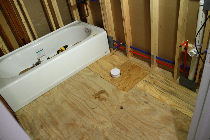 Bathroom Floor Underlayment : Preparing the bathroom floor for tiling