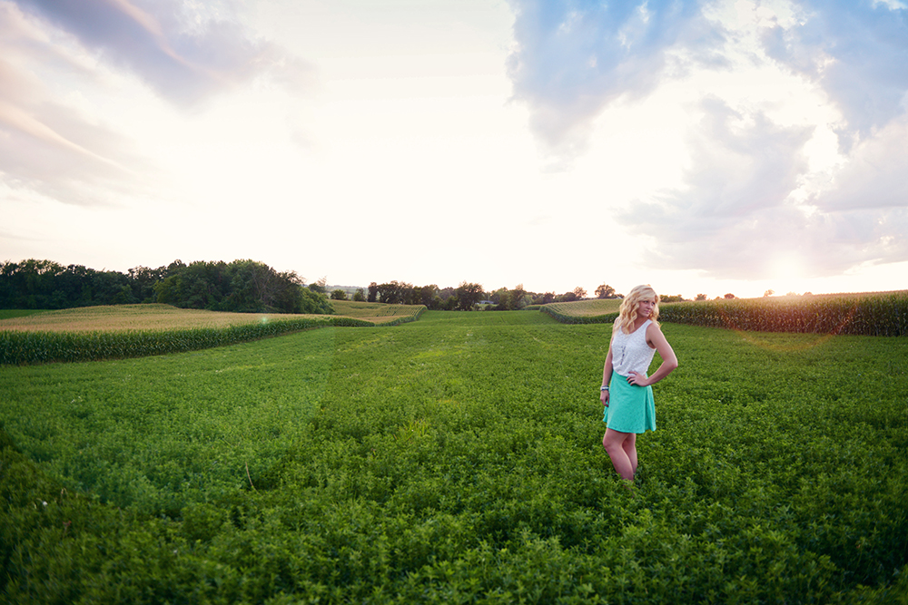 outdoor-farm-senior-photos
