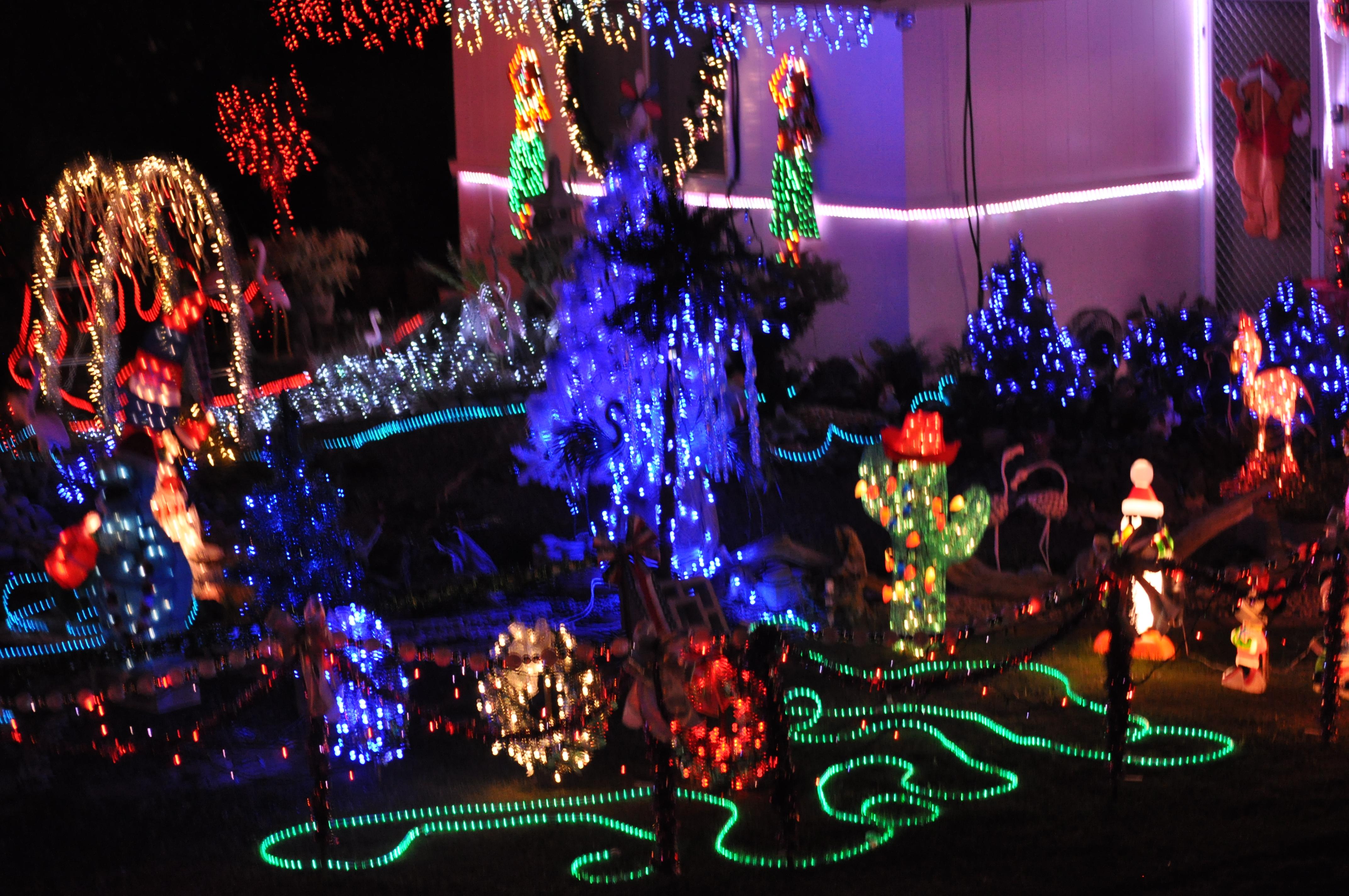 kaneohe street with fabulous christmas lights and kaneohe home for sale too oahu hawaii real estate blog kailua real estate and oahu homes for sale