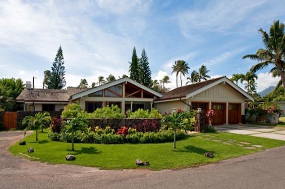 kailua beach house in beachside kailua neighborhood