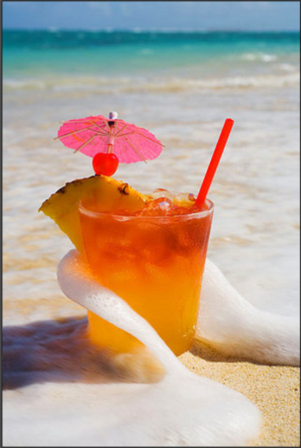 mai tai on the beach