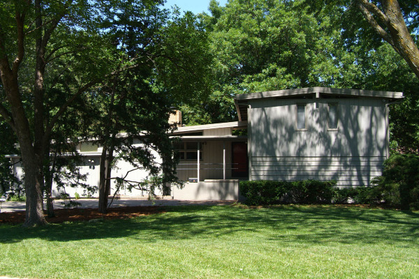 Mid century modern house tour in lawrence ks for Big modern house tour