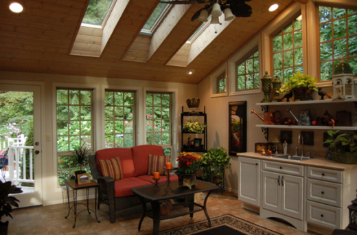 Springtime decorating ideas spruce up your indoor patio for Indoor patio decorating ideas