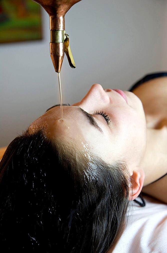 Avail the benefits of ayurvedic massage and ayurvedic herbal