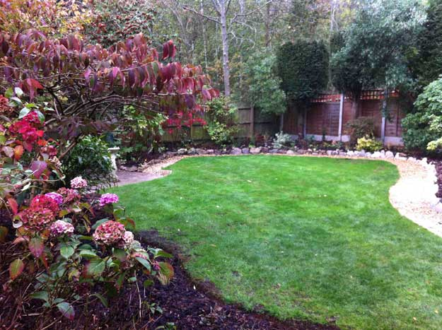 Garden ideas and design blog hornby garden designs for Images of back garden designs