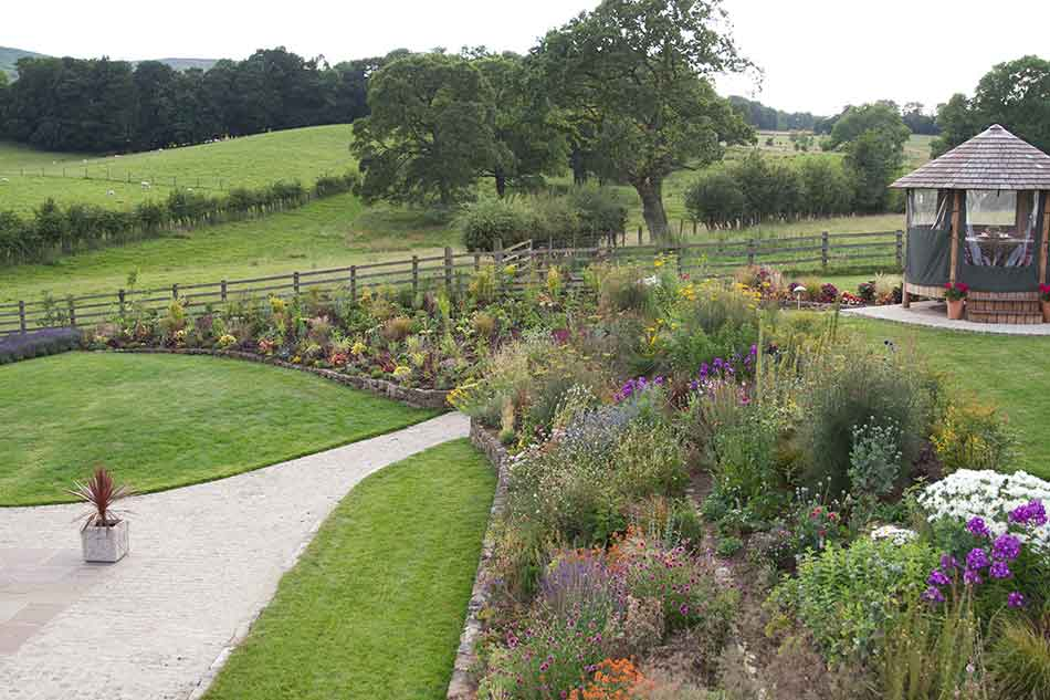 Garden designs for large gardens scalebor park farm for Landscaping large gardens