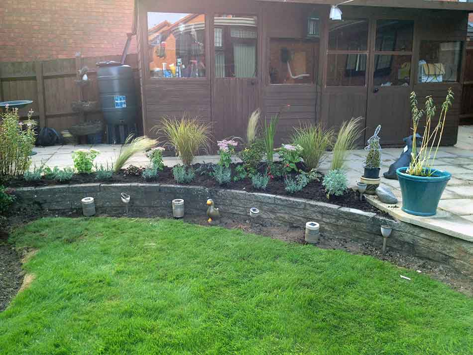 Garden designs small garden design hornby garden for Garden design ideas blog