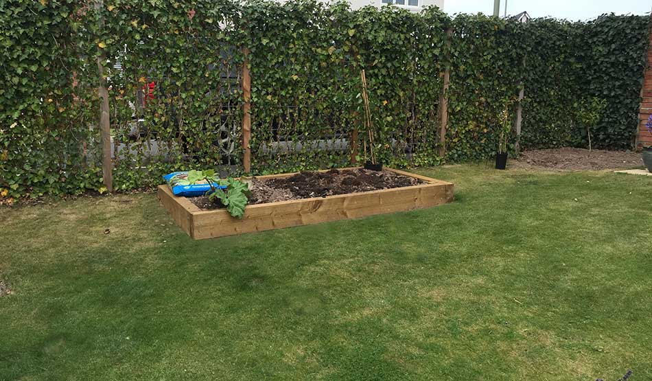 Raised garden bed designs small garden design ideas hornby garden designs garden planner - Vegetable garden ideas uk ...