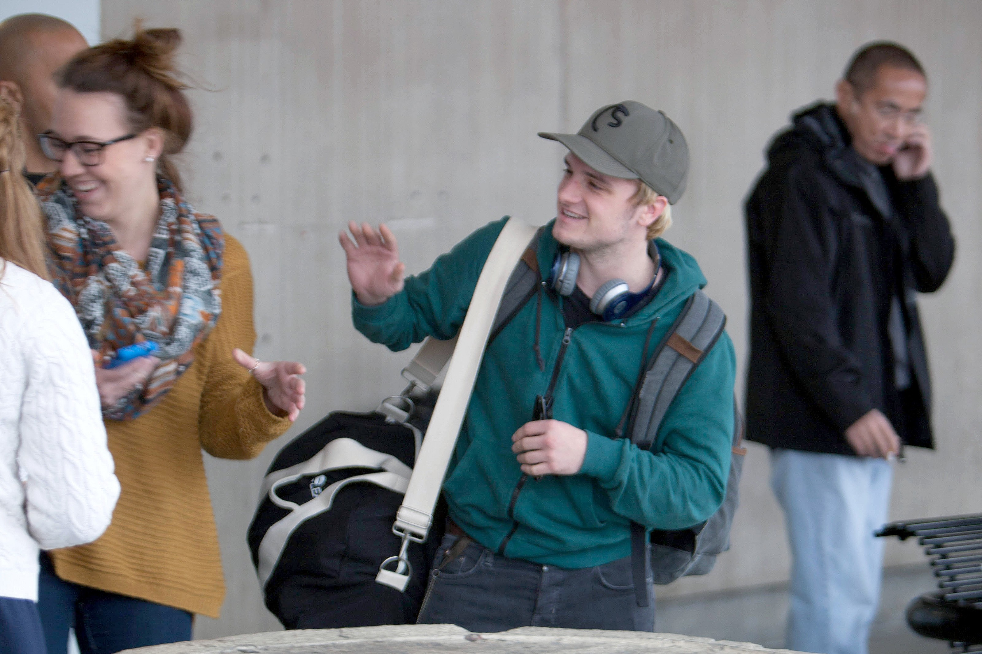 Josh Hutcherson Spotted At Atlanta Airport The Hunger Games News