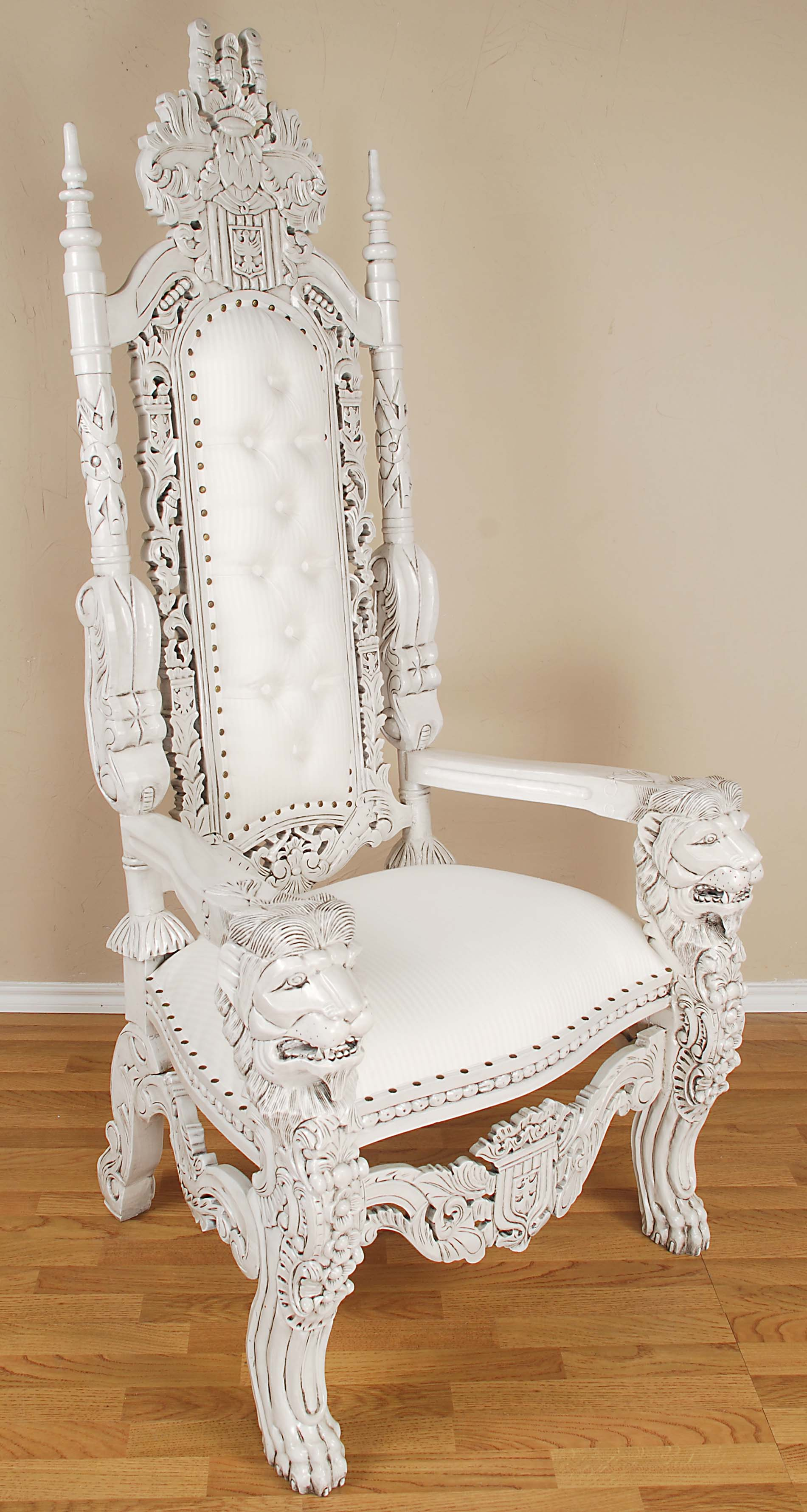 Mansion For Sale Cheap President Snow S Throne Can Be Yours For 995 00 The