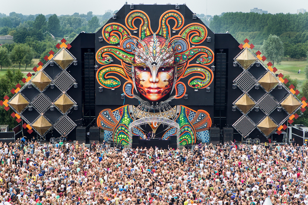 Watch This Q Dance Mysteryland 2013 Endshow Video