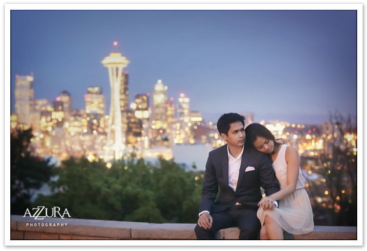 Kerry Park Seattle Engagment Portraits at Queen Anne