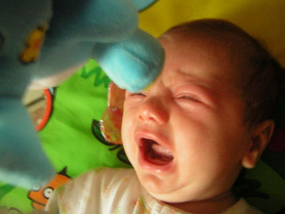 Cry it out (CIO): 10 reasons why it is not for us