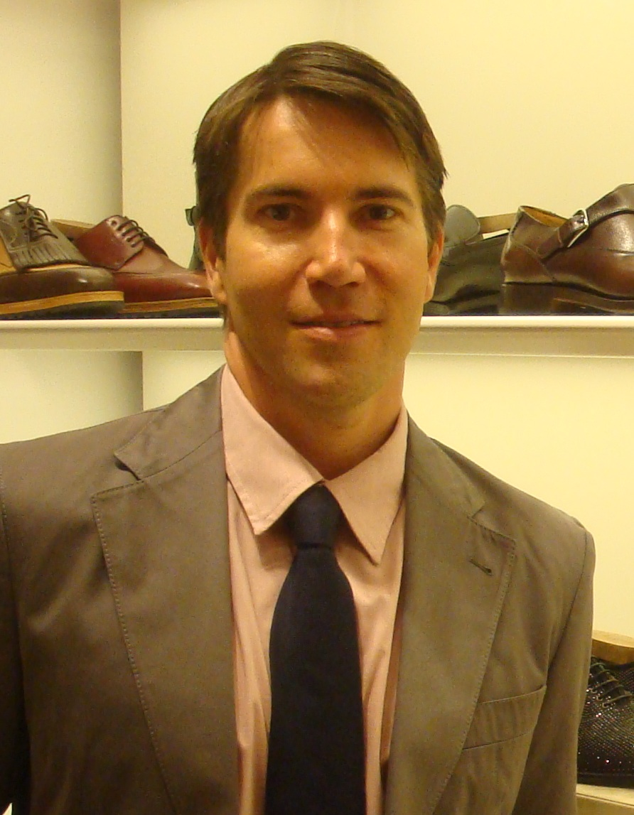 TIE ONE ON - HOW TO CHOOSE MEN'S TIES - WHO NEW - www.alifeofstyle.com