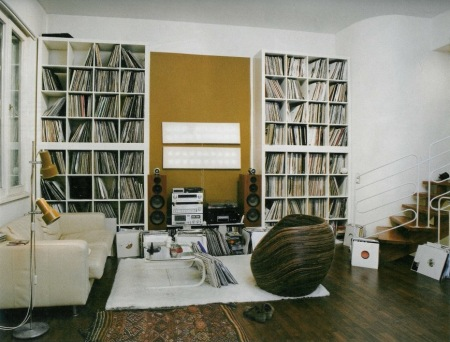 Analog apartment a place for people who love records for House music collection