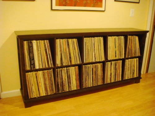 Analog apartment a place for people who love records for Ikea lp storage