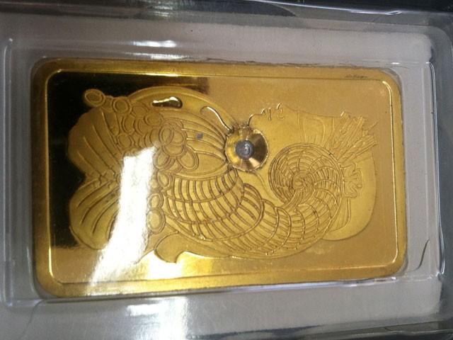 Tungsten Filled Fake Gold Bar Found In Manhattan Photos