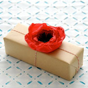 5 Minute Fabric Poppy Gift Toppers