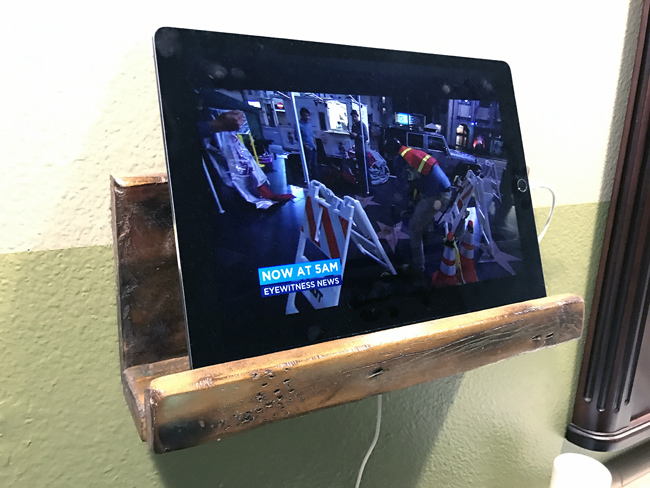 HDTV and Home Theater Podcast - News - DIY Tablet Wall Mount