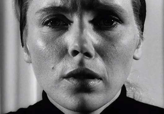 film  Ingmar Bergman filmelemzés filmkritika művészfilm megérteni a művészfilmeket Persona segítség művészfilmekhez Bibi Andersson Liv Ullmann pszichológia filozófia önreflexió önmegismerés vágyak intimitás lelkibetegség depresszió dráma elmélyülés Tükör által homályosan 1966-os filmek svéd filmek álarc maszk társadalomkritika terror agresszió empátia filmesztétika