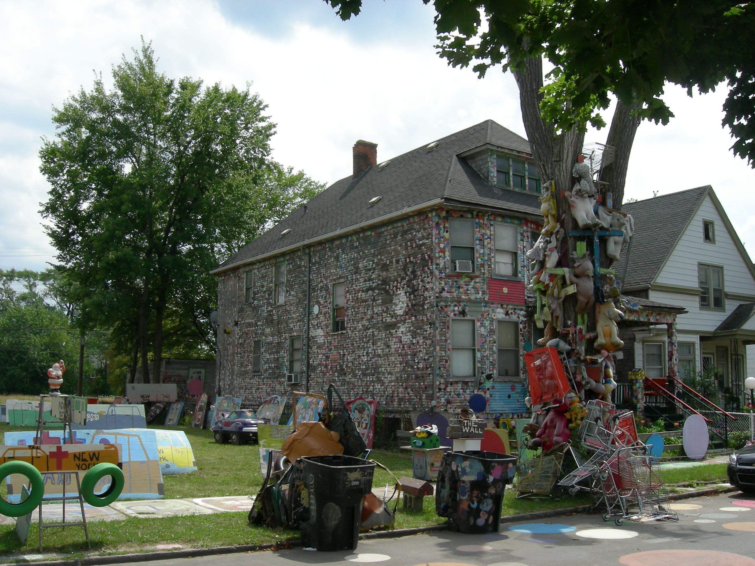 The heidelberg project houses