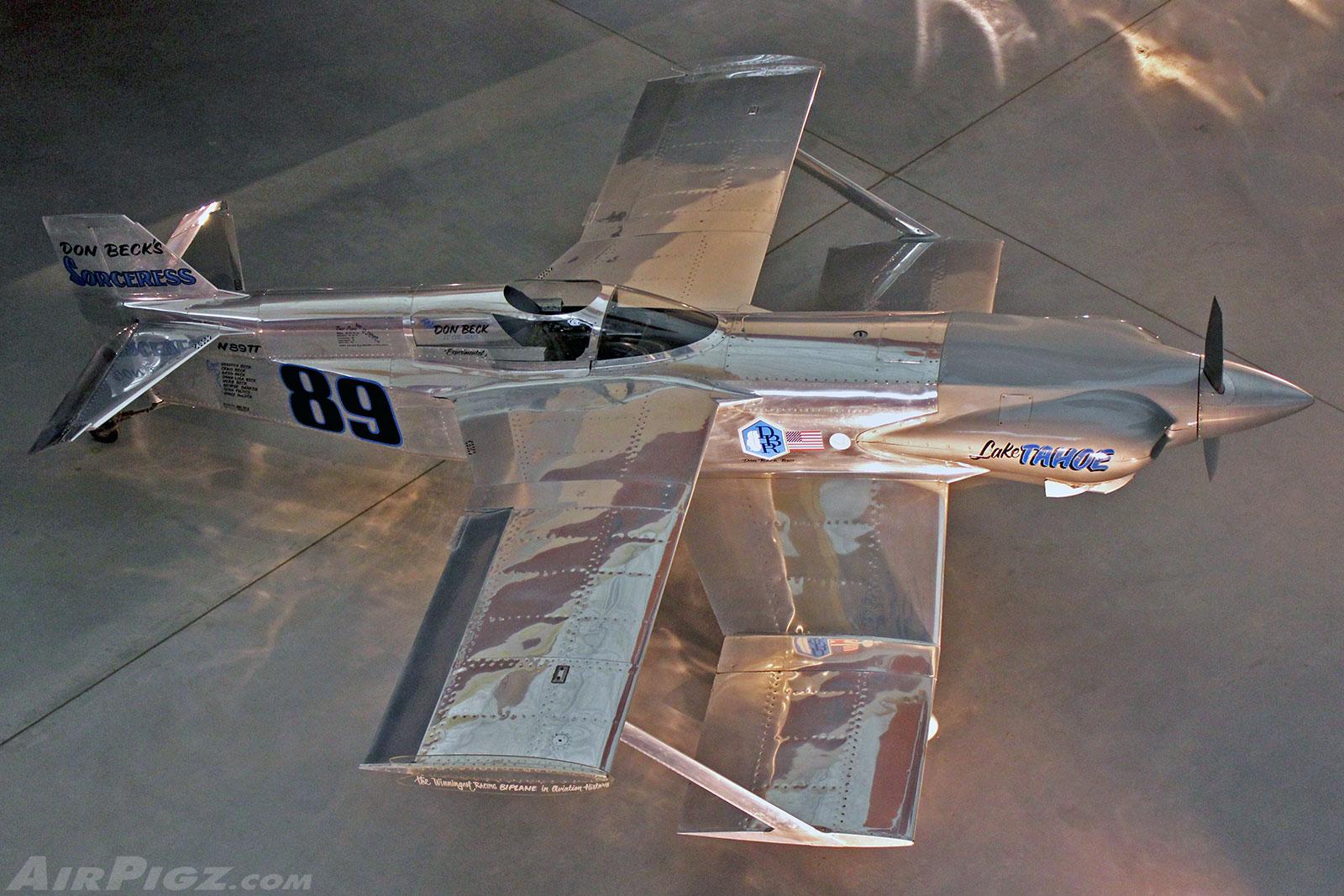 http://airpigz.com/storage/hi-res/2013/Sorceress-1970-Reno-Biplane-Racer-1.27.13-Udvar-Hazy-.jpg