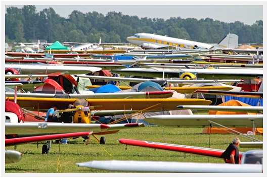 http://airpigz.com/blog/2014/8/4/osh14-thursday-august-1-see-the-sea-of-airplanes-coolpix.html