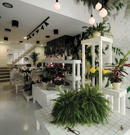 Aktipis flowershop by point supreme architects for Flower shop design layouts