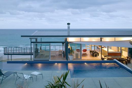 Single Storey T-Shaped Beach House Design – Okitu House by Pete ...