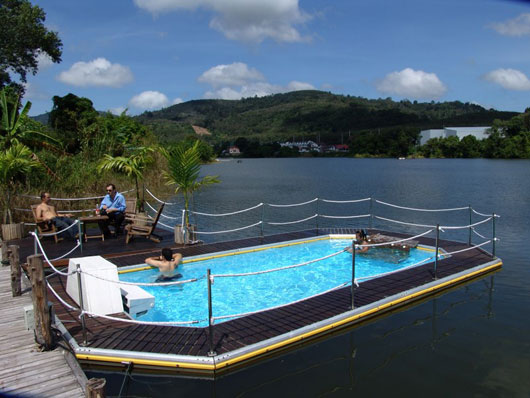 Modern floating pools for outdoor party by mobideep designtodesign magazine designtodesign for Design your own swimming pool online