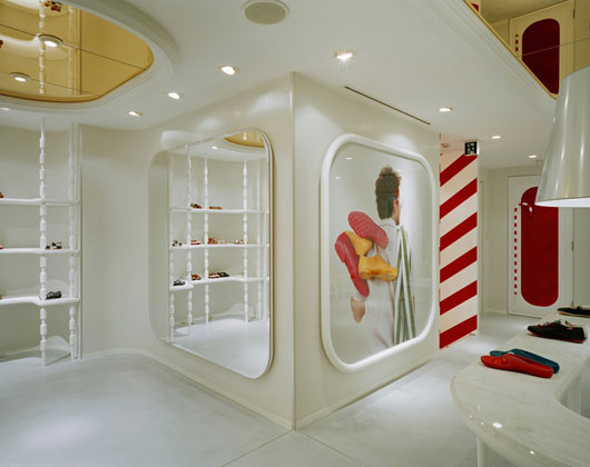 camper store modern minimalist fashion shop interior by hayon studio designtodesign magazine. Black Bedroom Furniture Sets. Home Design Ideas