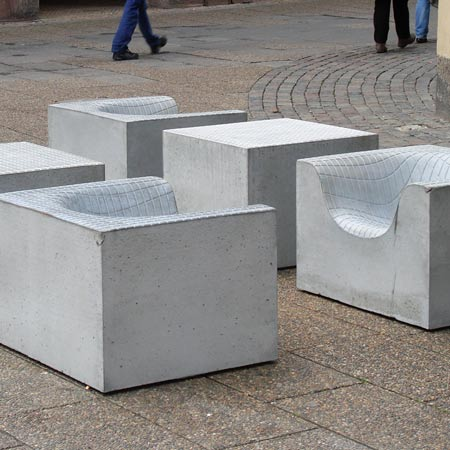 Designtodesign magazine the for Cinder block seating area