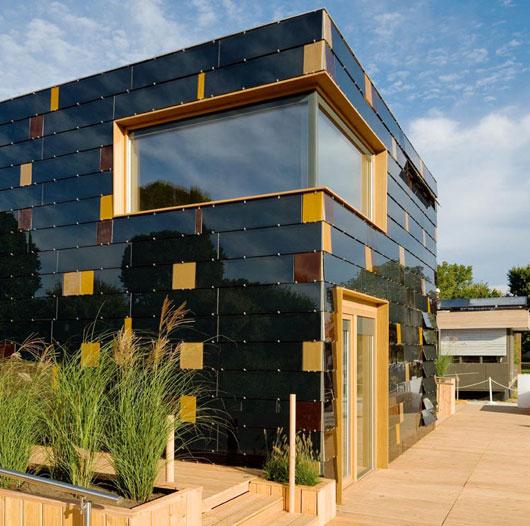 Award Winning Green Home Designs: Award Winning Solar Powered House