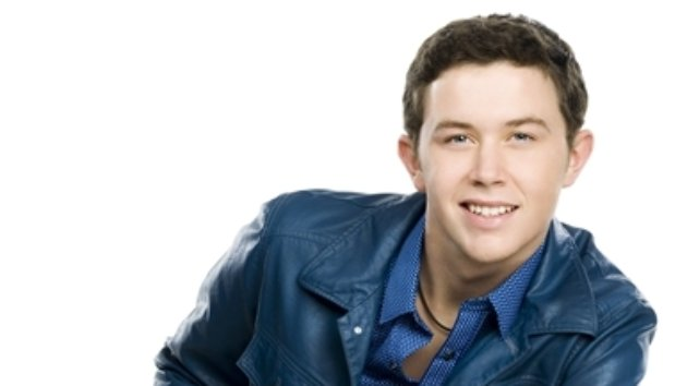 Scotty McCreery Bonds with President Obama Over College Basketball