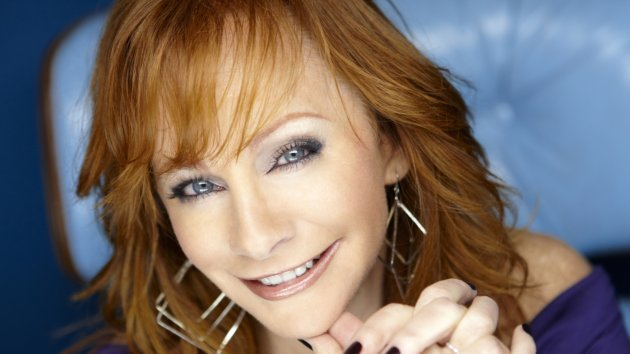 """Reba Plays a Version of Herself in """"Malibu Country"""""""