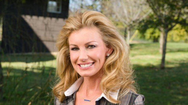 Faith Hill Signs New Management Deal; Is New Music on the Way ...