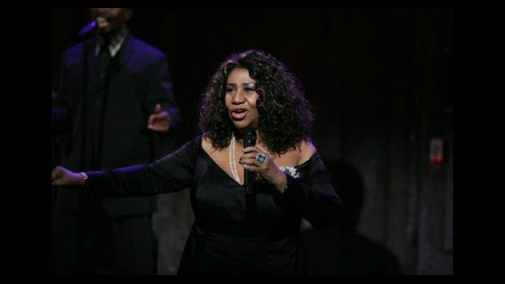 Aretha Franklin Helps Bid Farewell to Exiting US Attorney General Eric Holder