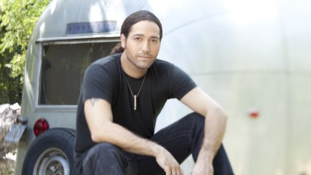 """Josh Thompson Creatively Includes Personal Photos in """"Comin' Around"""" Video"""