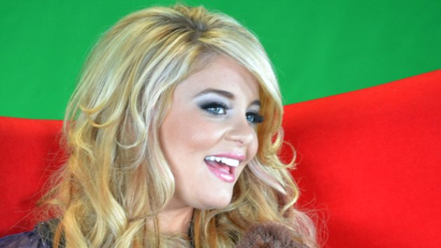 Lauren Alaina Creates Her Own Prom, Then Crashes Another