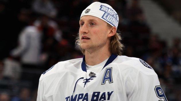 Lightning s Steven Stamkos Scores 60th Goal of the SeasonHockey Flow Hair