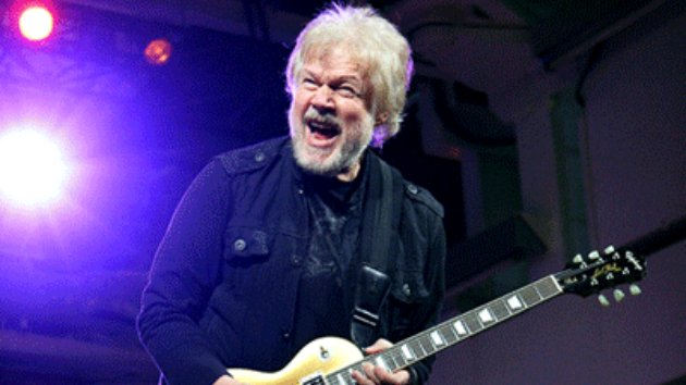"Listen to Title Track from Randy Bachman's Upcoming Album, ""Heavy Blues,"" Featuring Peter Frampton"