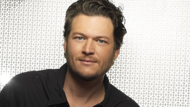 """Blake Shelton to Release """"Cheers It's Christmas"""" on October 2"""