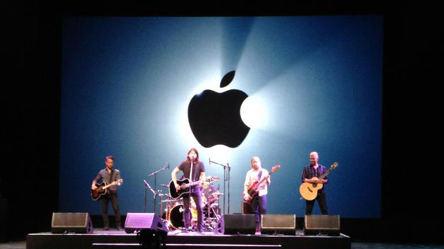 Foo Fighters playing for Apple, image from ABC News