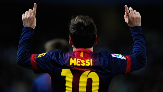 Lionel Messi Scores 400th Goal for Barcelona