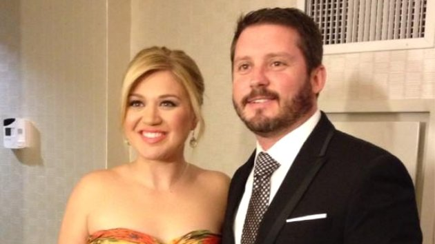 Kelly clarkson planning on two kids has names diaper for How many kids does kelly clarkson have