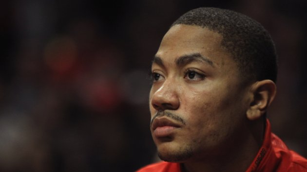 Derrick Rose Begins Rehab After Successful Surgery