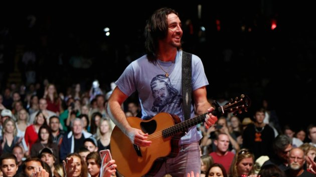 "Jake Owen, Thomas Rhett and Maddie & Tae Added to CMT's ""Ultimate Kickoff Party"" Special January 9"