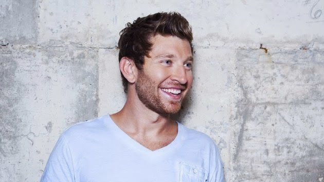 Brett Eldredge Has Some April Fool's Day Fun with Fans on Twitter